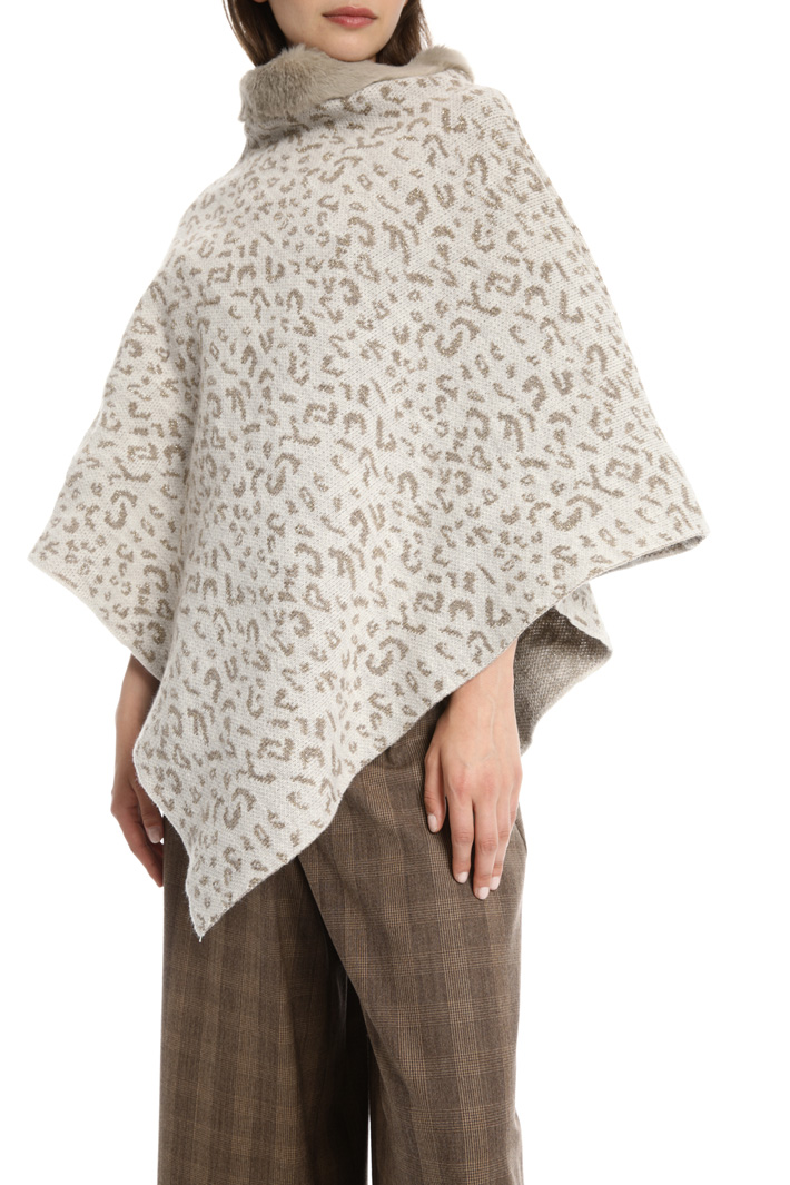 Lurex effect poncho Intrend