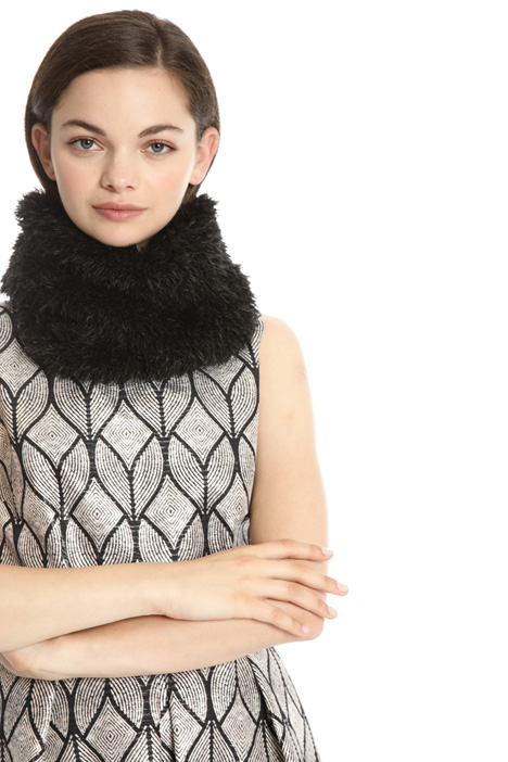 Fur effect collar Intrend