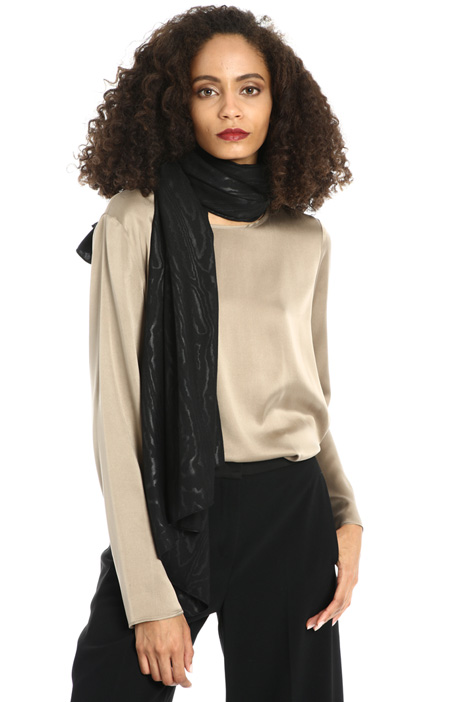 Fluid viscose scarf Intrend