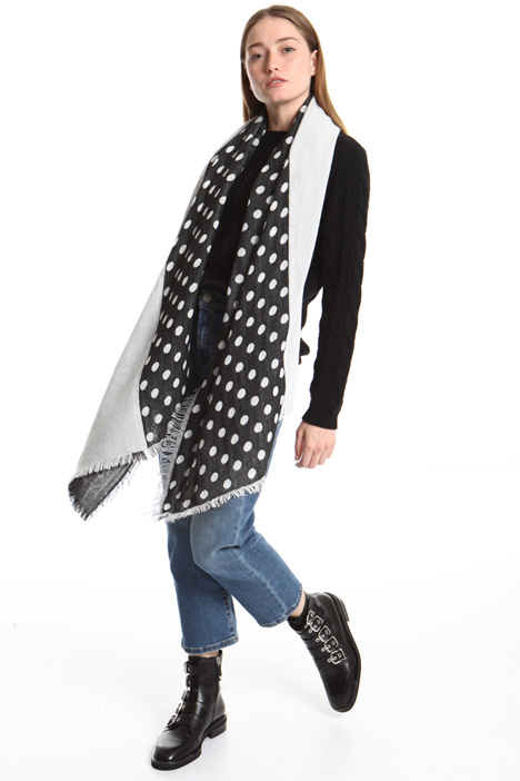 Soft scarf with fringes Intrend