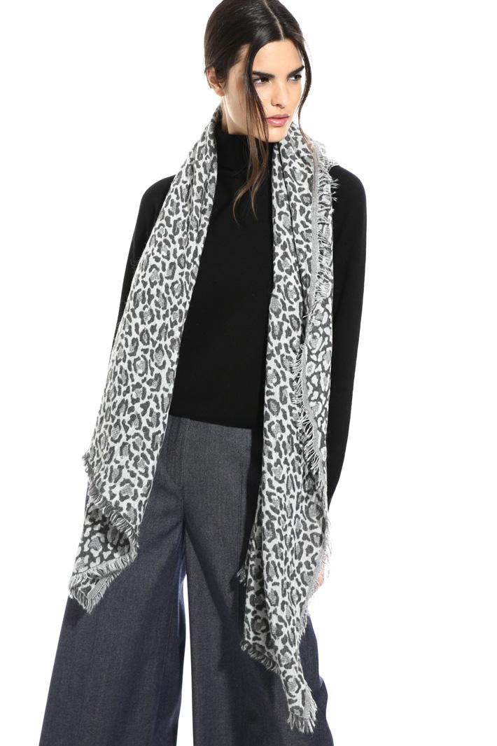 Soft animal print scarf Intrend