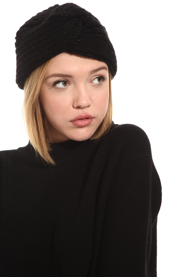Knotted beanie hat Intrend