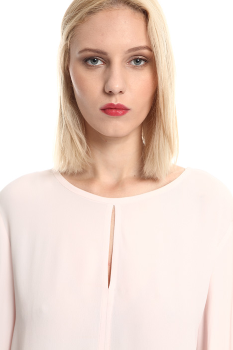Blusa in crepe di seta Intrend