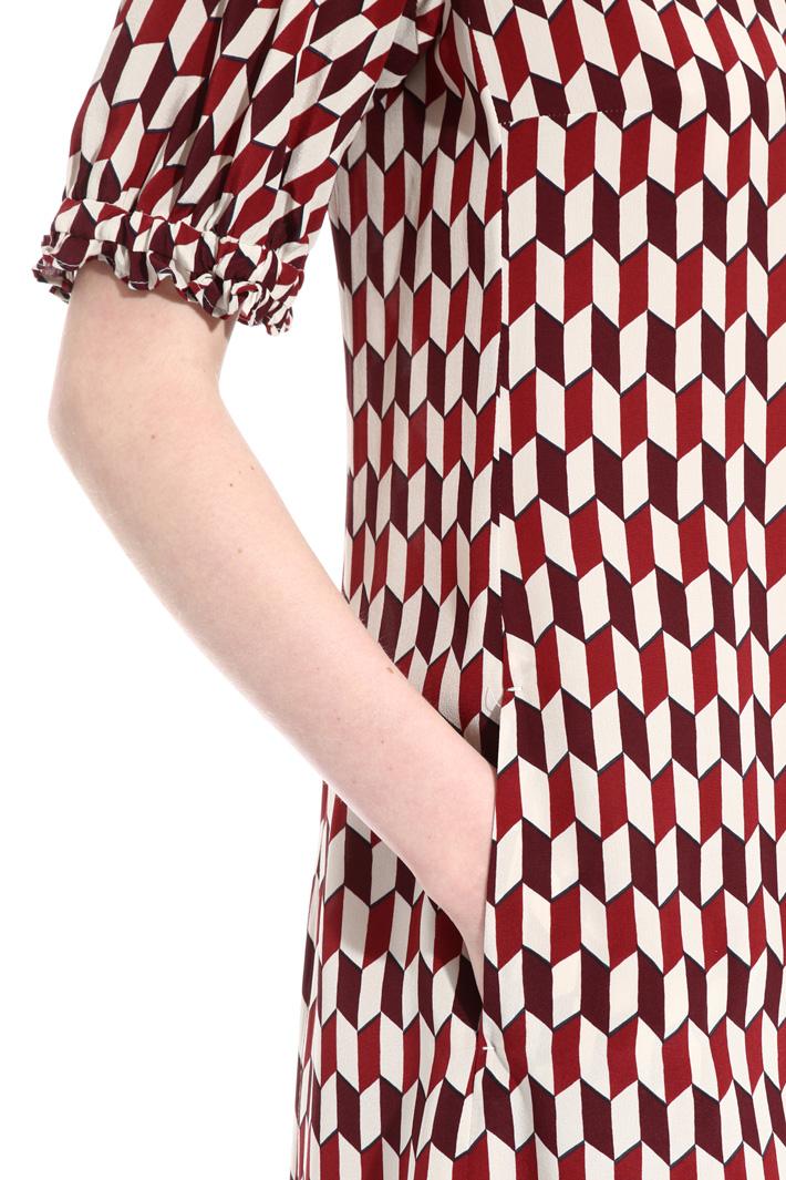 Short silk dress Intrend