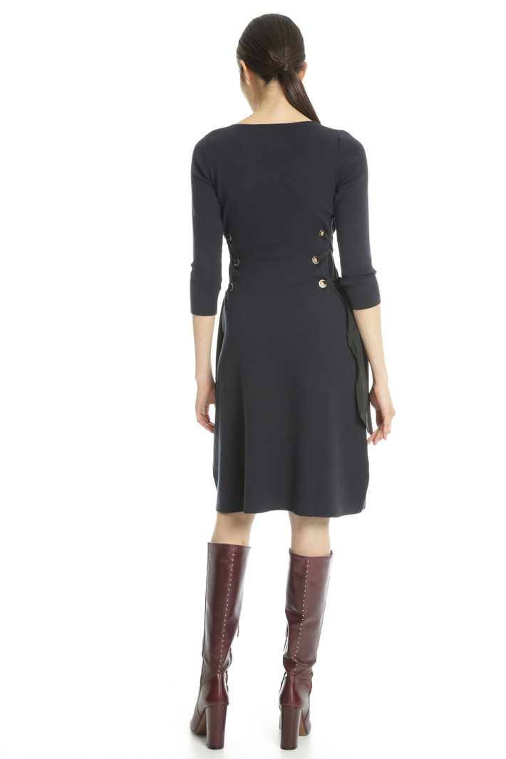 Laced knit dress Intrend