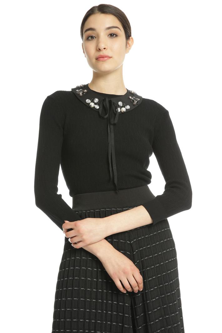 Jewel collar sweater Intrend