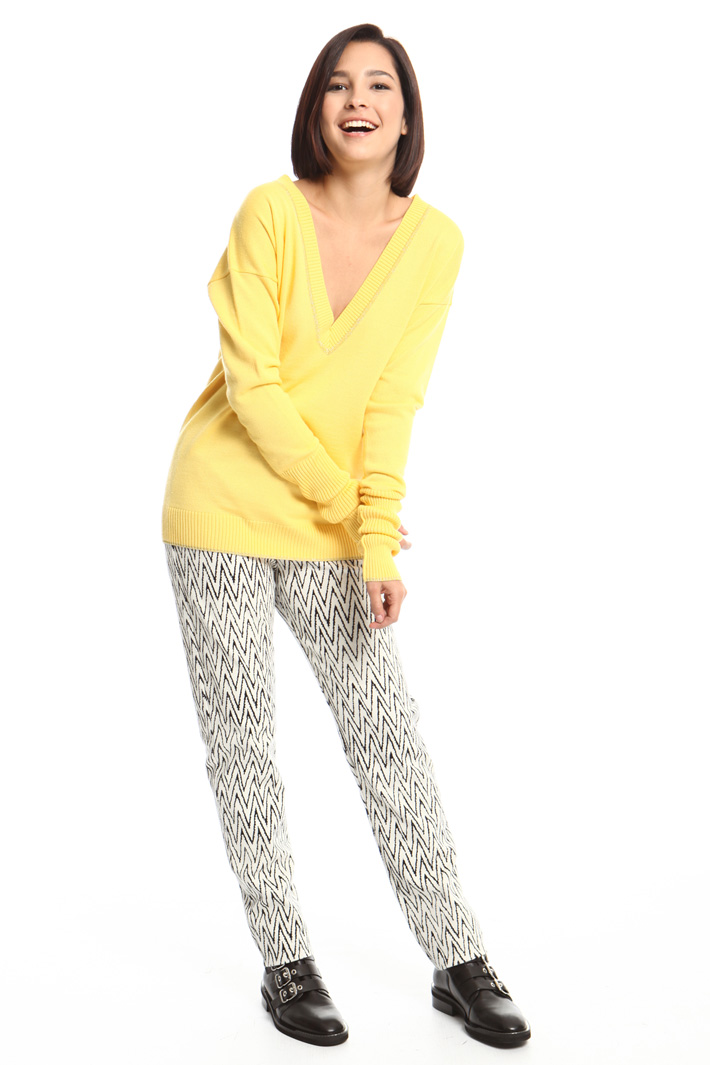 Wide V-neck sweater Intrend