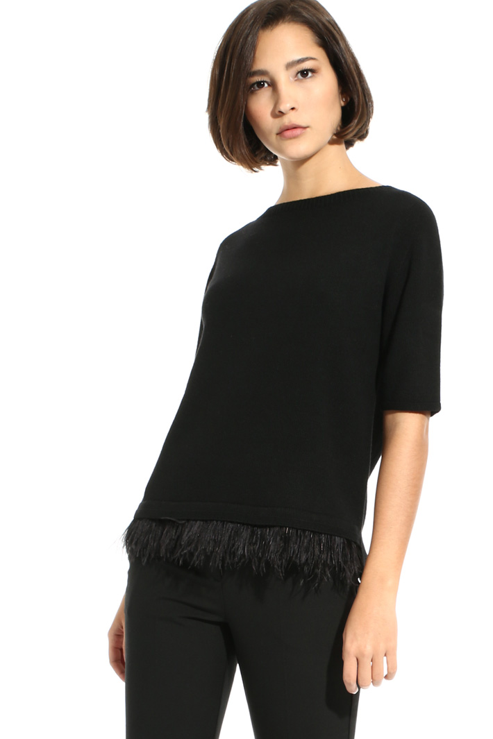 Feather trim sweater Intrend