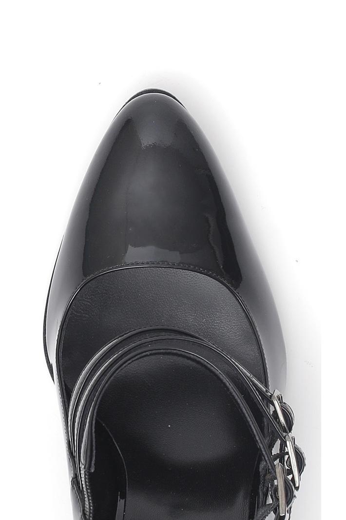 Patent leather décolleté  Intrend