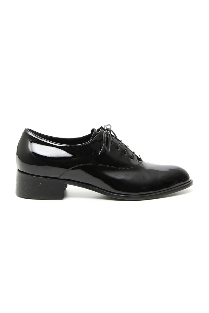 Patent leather lace-up shoe Intrend