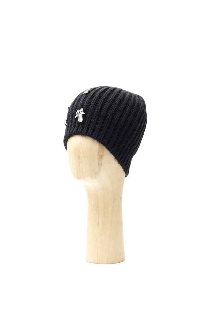Knit hat with rhinestones Intrend