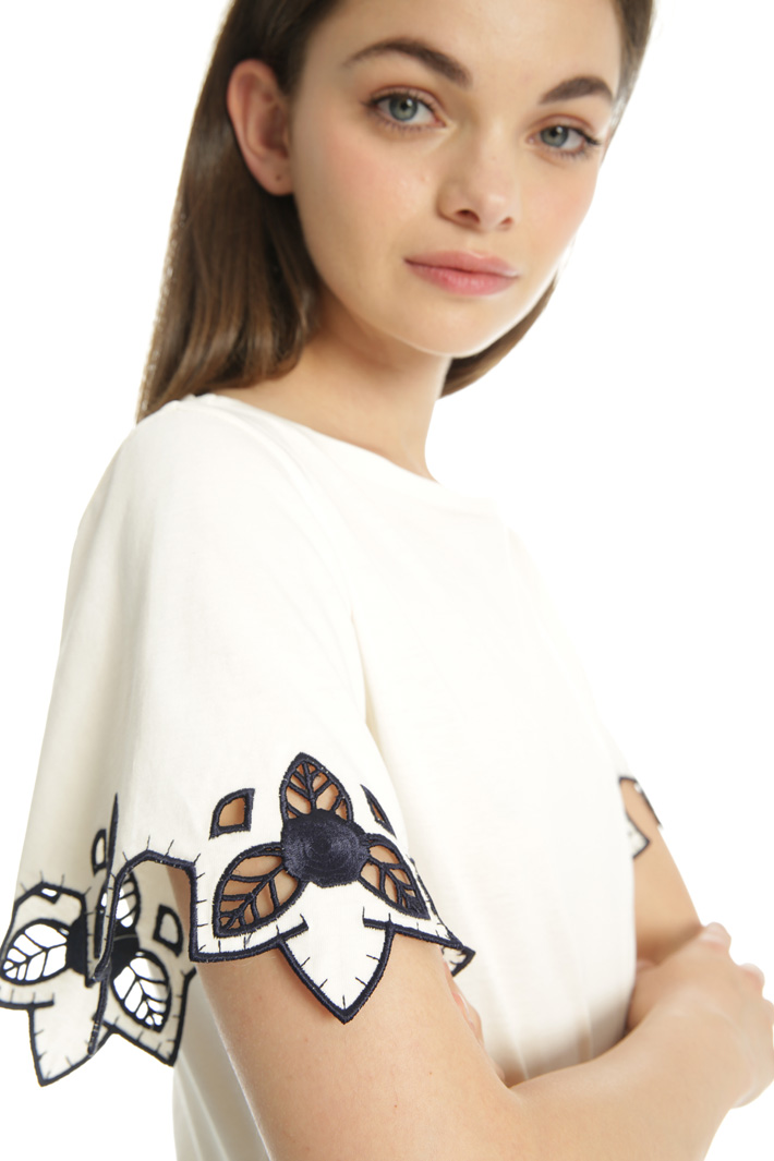 Scalloped sleeve T-shirt Intrend