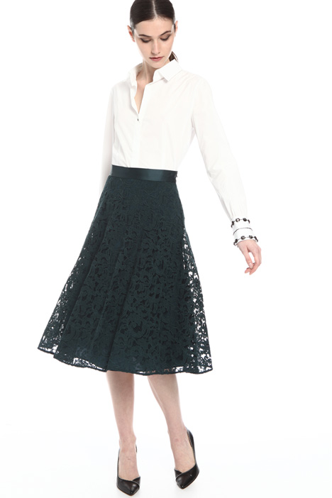 Flared lace skirt    Intrend