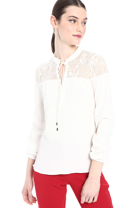 Silk and lace blend blouse    Intrend