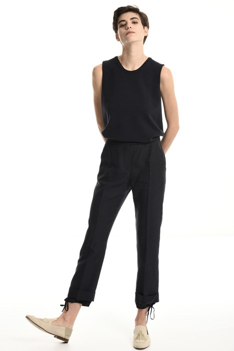 Linen trousers with turn-up cuffs    Intrend