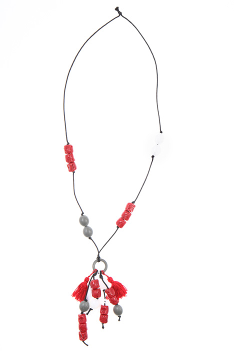 Resin necklace with tassels    Intrend