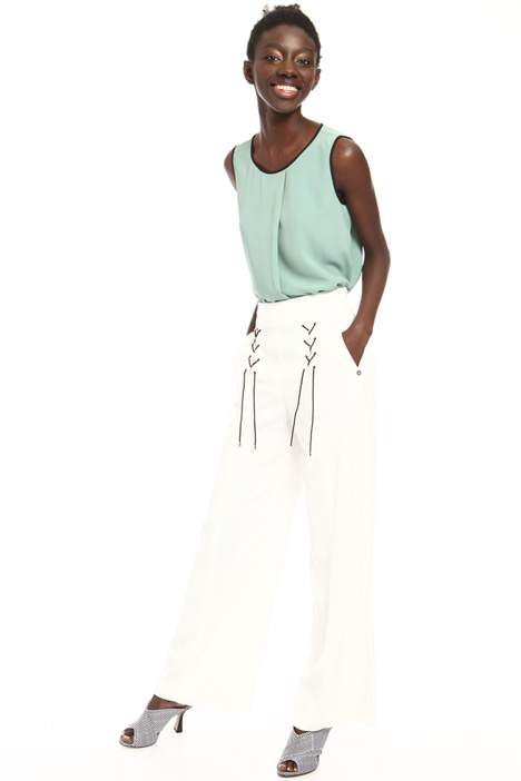 Lace-up trousers Intrend
