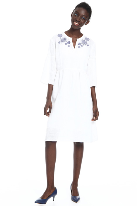 Embroidered yoke dress Intrend