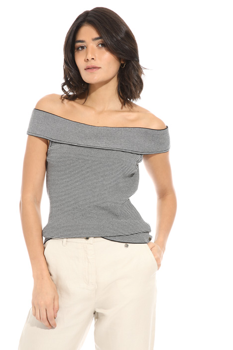 Off shoulder sweater Intrend