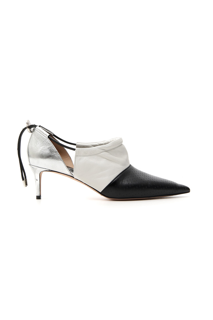 Shoe with heel and drawstring   Intrend