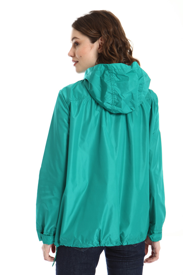 Short hooded raincoat Intrend