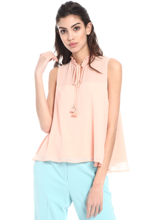 Sleeveless georgette top Intrend