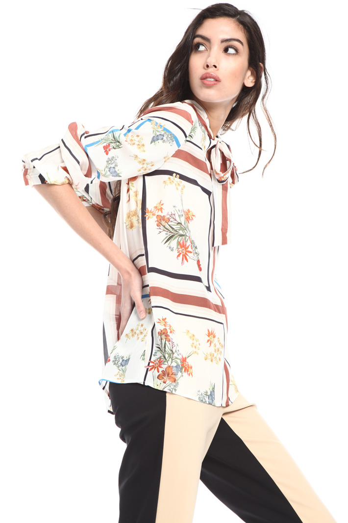 Round bottom silk crepe blouse Intrend