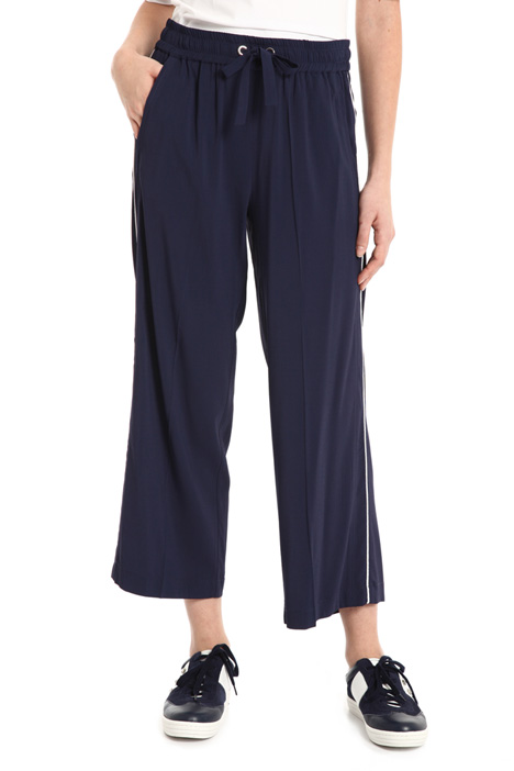 Contrasting piping trousers Intrend