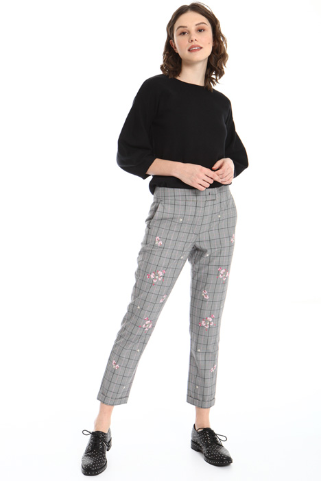 Embroidered trousers Intrend