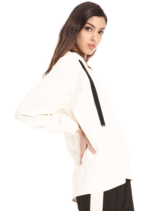 Hooded crepe satin tunic Intrend