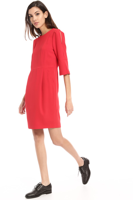 Cut-out sleeve dress Intrend