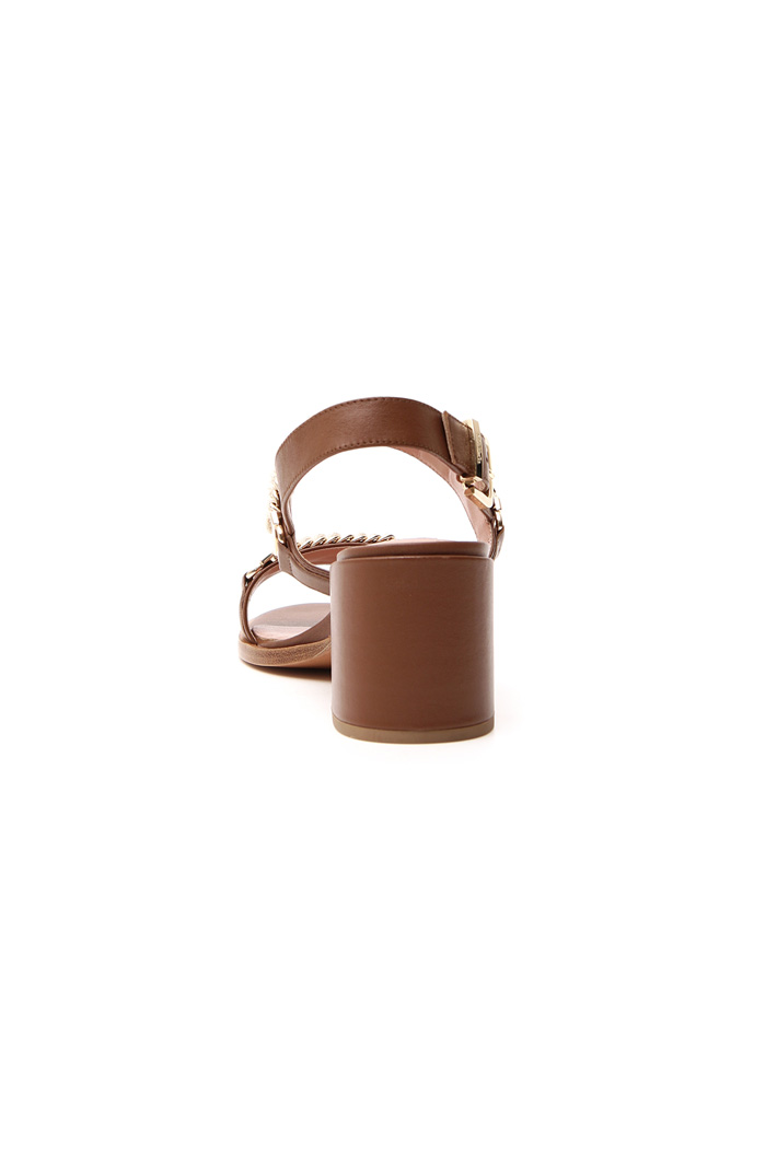 Sandal with leather heel Intrend