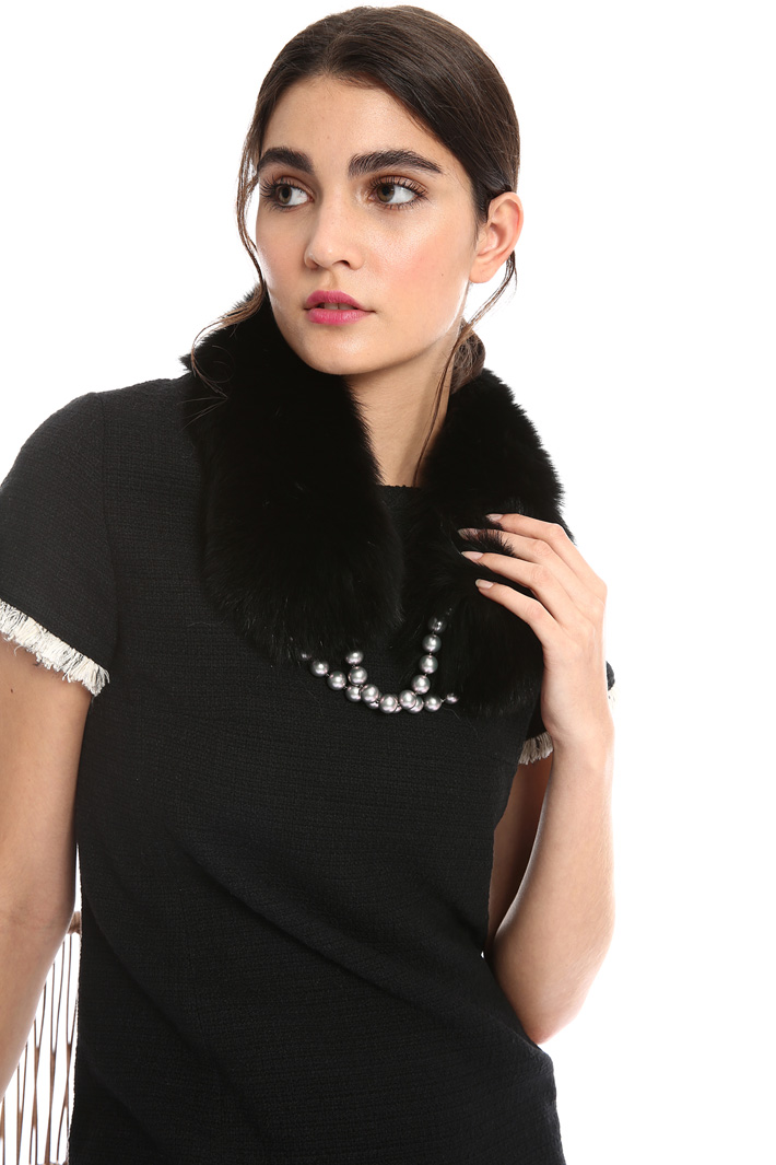 Fox collar with pearls Intrend