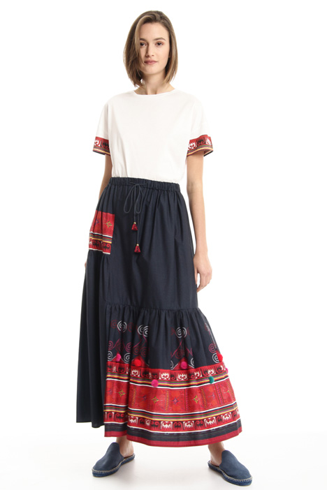Loose skirt with covered slit  Intrend