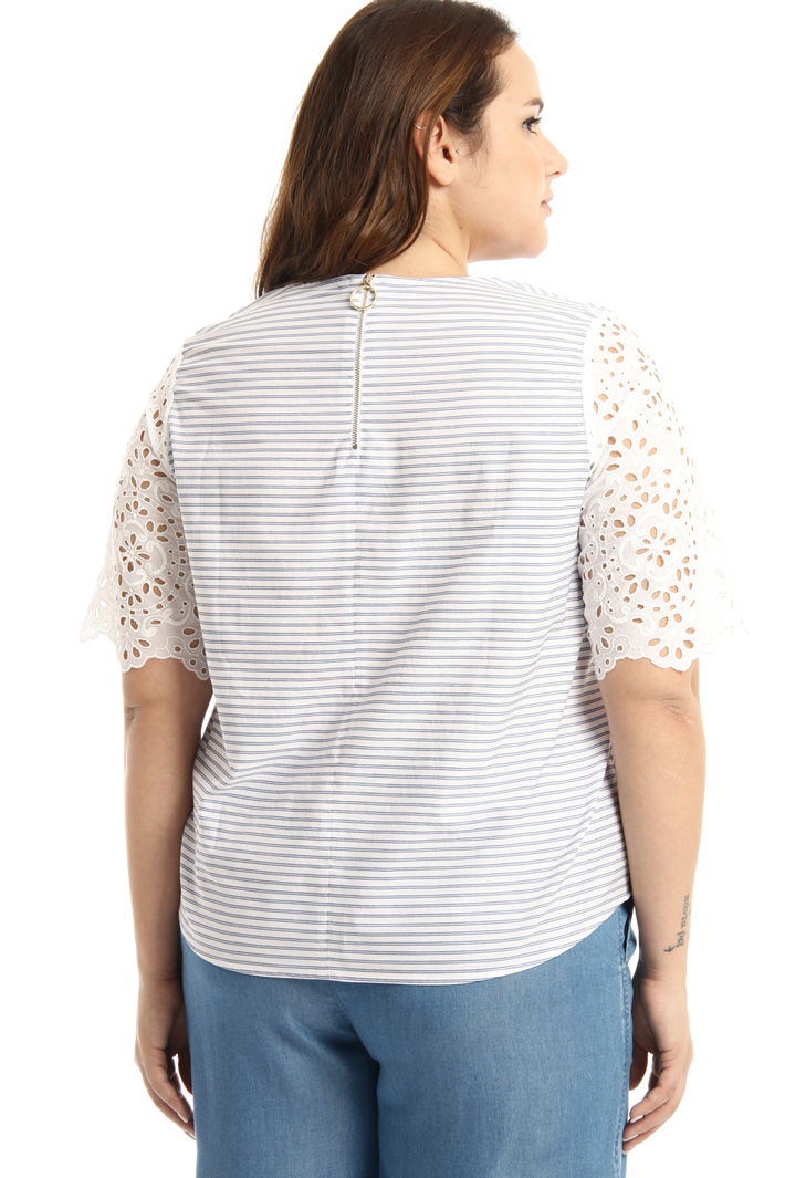 Embroidered sleeve tunic Intrend