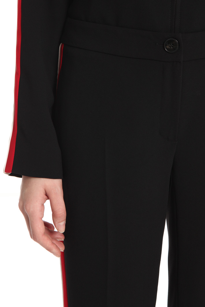 Contrasting band trousers Intrend