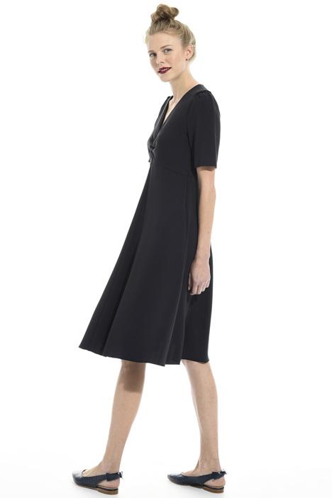 V-neck crepe dress Intrend