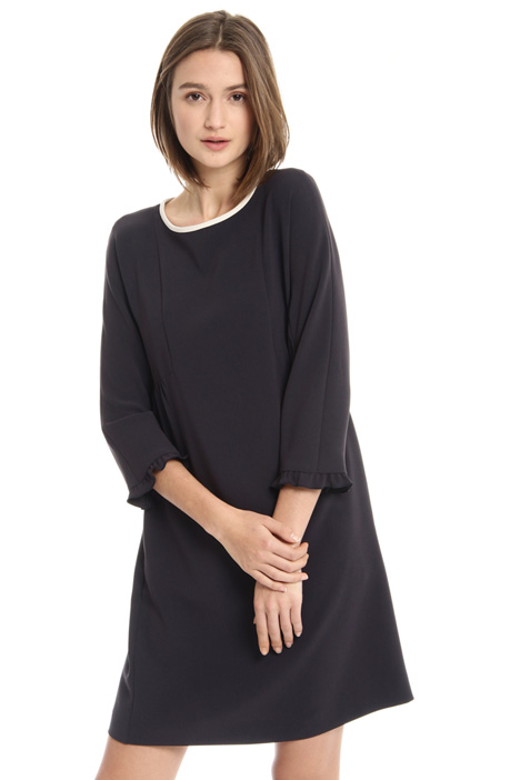 Contrast neckline dress Intrend