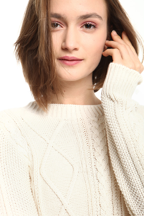 Cable-knit sweater Intrend