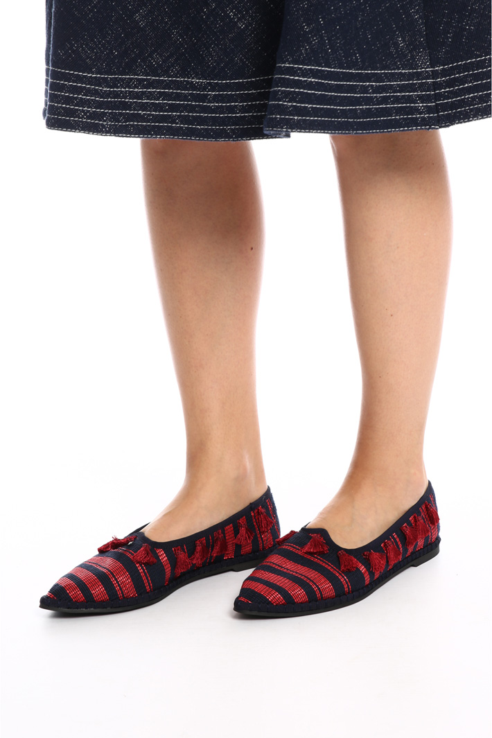 Raffia moccasin with tassels   Intrend