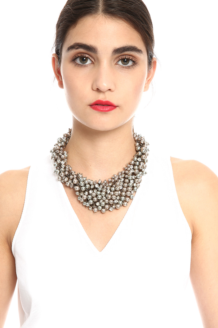 Pearl and strass necklace    Intrend