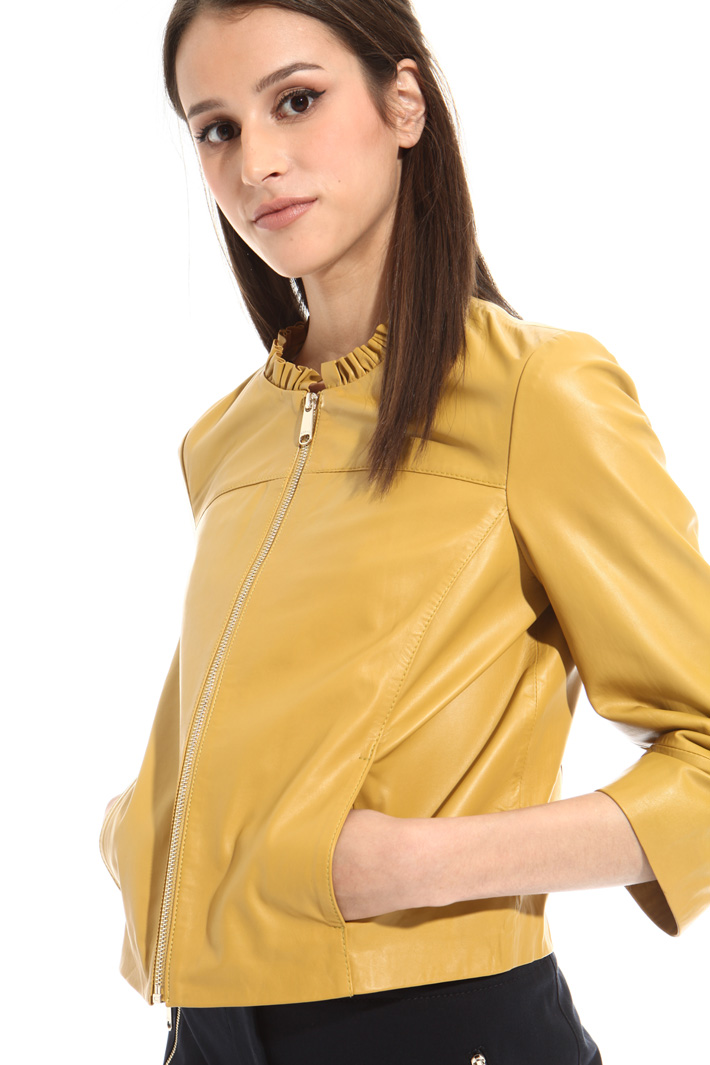 Cropped leather jacket Intrend