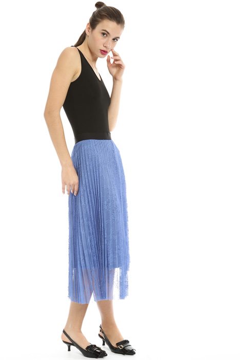 Pleated lace skirt Intrend