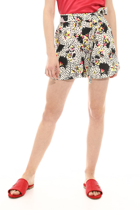 Belted linen shorts Intrend