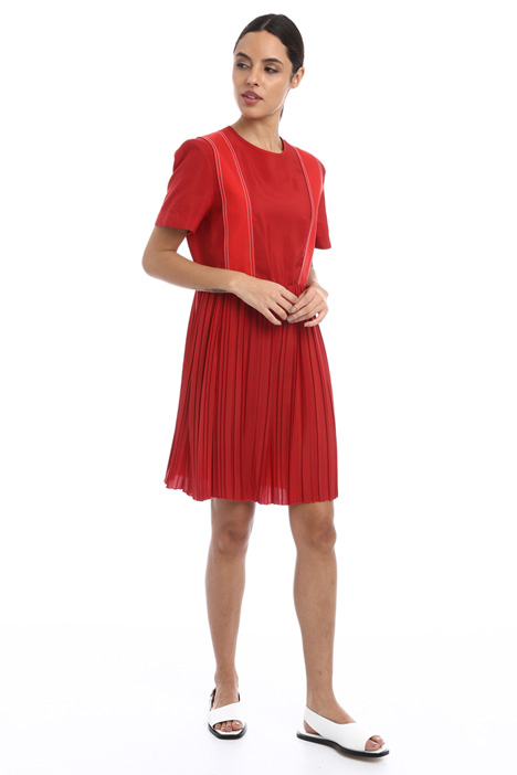 Short pleated dress Intrend