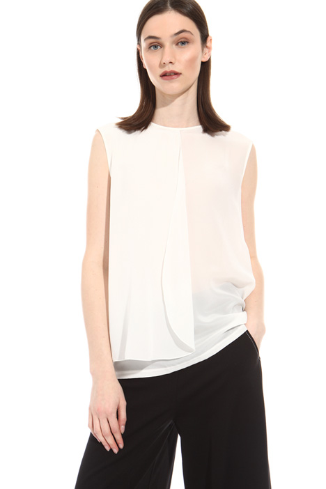 Silk crepe top with flounce Intrend