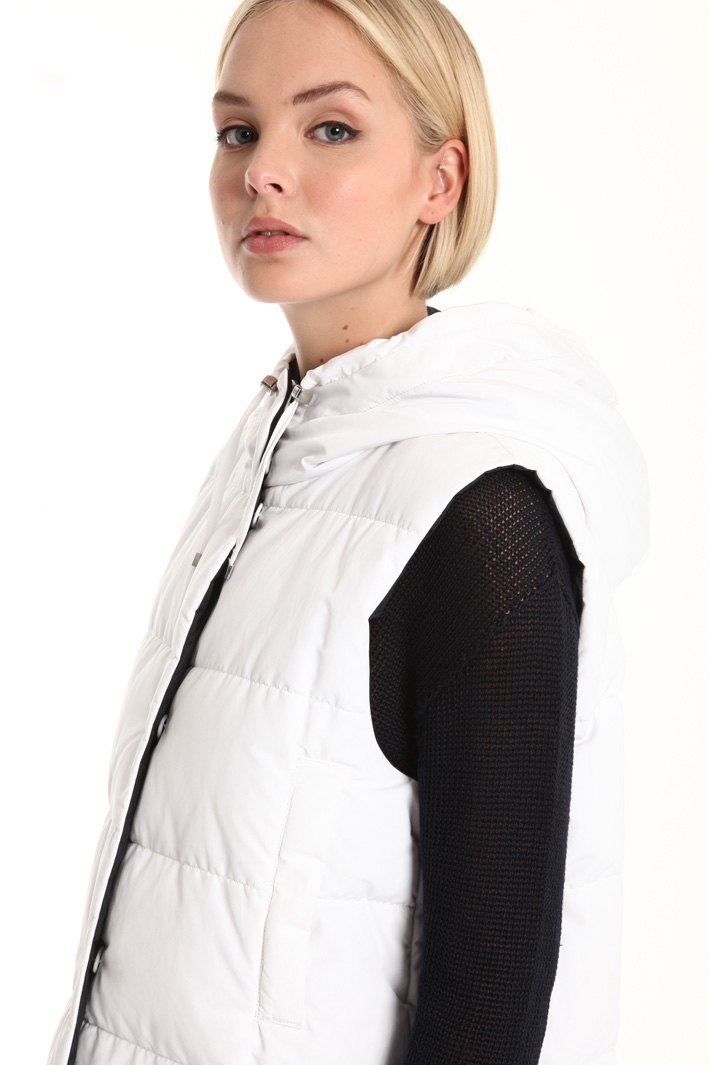 Padded vest with hood Intrend
