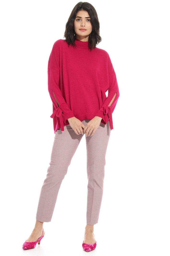 Cut-out sleeve sweater Intrend