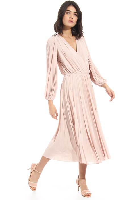 V-neck pleated dress Intrend