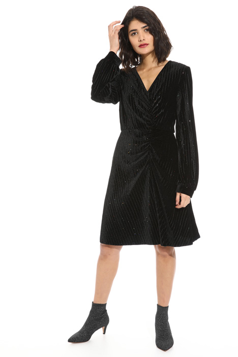 Rhinestone trim velvet dress Intrend